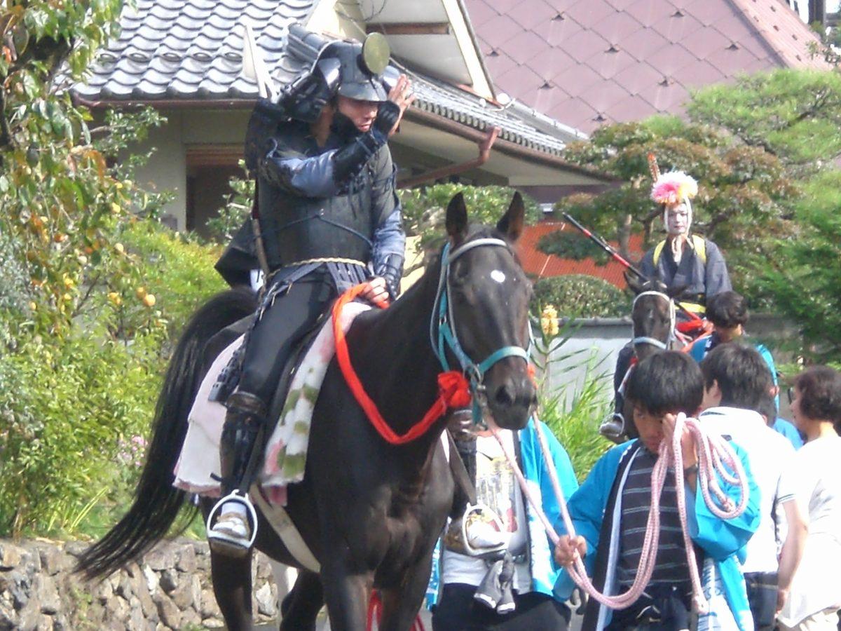 胡麻日吉神社の秋祭りに「馬馳け」