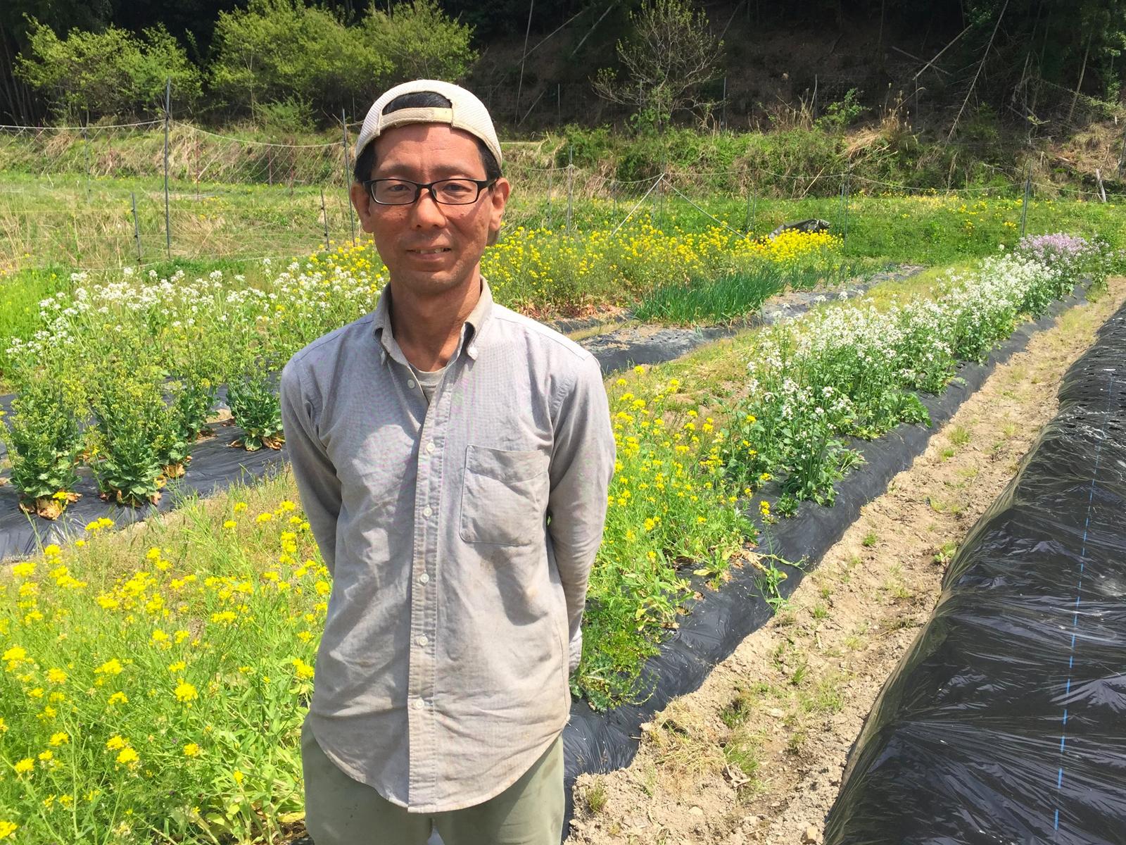 農家 × 自然料理人の高橋シェフ。六本木・銀座のレストランで活躍後京都へ移住。自ら栽培したオーガニック栽培の作物を使い、カリフォルニアスタイルのマクロビオティック料理を日本各地で提供しています。